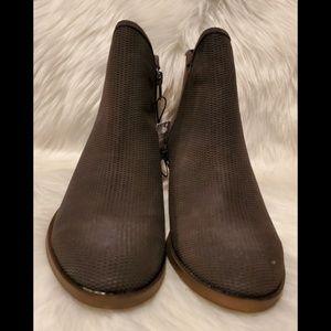 Kensie Ladies' Short Suede Boot Gerona